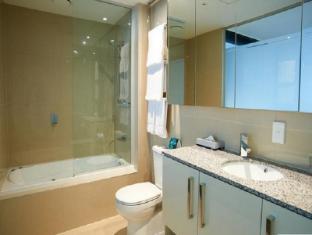 Quest Hawthorn Apartments Melbourne - Bathroom