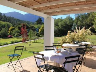 Knorhoek Country Guesthouse Stellenbosch - Breakfast On The Patio