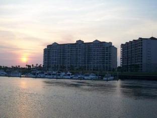 /barefoot-yacht-club-resort-villas/hotel/myrtle-beach-sc-us.html?asq=jGXBHFvRg5Z51Emf%2fbXG4w%3d%3d