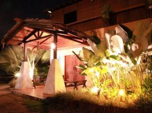 Planet Borneo Lodge Kuching - Exterior