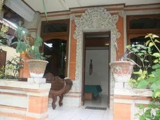 Pradha Guest House Bali - Exterior