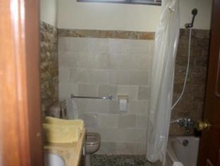 Pradha Guest House Bali - Bathroom