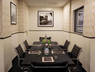 Gild Hall - a Thompson Hotel New York (NY) - Business Center