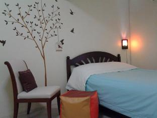 AT. Center Guesthouse and Motorbike Pattaya Pattaya - Standard Double Bed