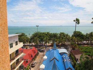 The New Eurostar Hotel and Spa Pattaya - Deluxe Balcony Sea View