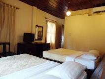 Bualuang Hotel: guest room