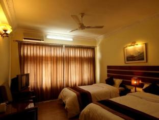 Thorong Peak Guest House Kathmandu - Superior Deluxe Room with bathtub