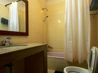 Thorong Peak Guest House Kathmandu - Superior Deluxe Bathroom with Bathtub