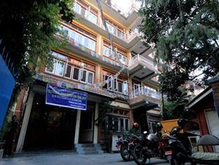 Thorong Peak Guest House Kathmandu - Parking