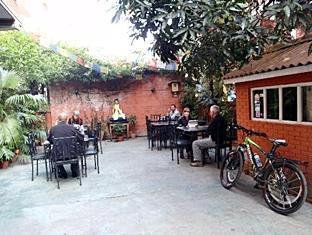 Thorong Peak Guest House Kathmandu - Zen Garden Restaurant
