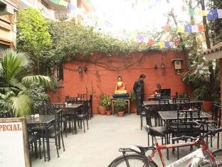 Thorong Peak Guest House Kathmandu - Outdoor