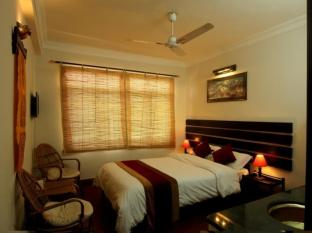 Thorong Peak Guest House Kathmandu - Deluxe Single Room