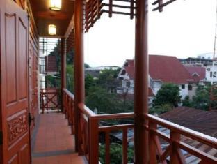 Avilla Phasouk Hotel Vientiane - Balkon/Terras