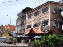 Phoxay Hotel: exterior