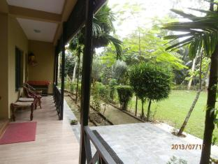 Hotel Parkside Chitwan - Balcony from Room