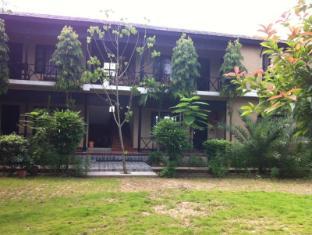 Hotel Parkside Chitwan - Vila