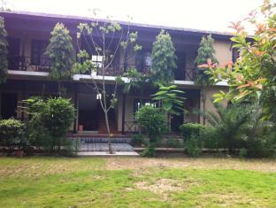 Hotel Parkside Chitwan - فيلا