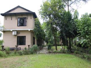 Hotel Parkside Chitwan - Exteriér hotelu