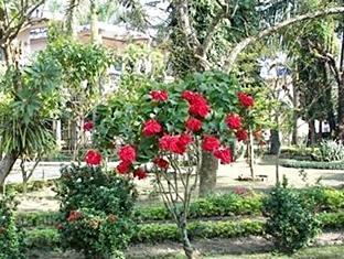 리노 로지 앤 호텔 치트완 - 정원