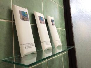 Tagaytay Haven Hotel - Mendez Tagaytay - Bathroom