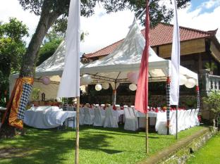 Tirta Ayu Hotel & Restaurant Tirtagangga Bali - BBQ