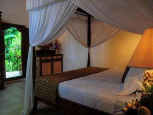 Tirta Ayu Hotel & Restaurant Tirtagangga Bali - Superior Villa