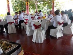 Tirta Ayu Hotel & Restaurant Tirtagangga Bali - Buffet at Wantilan