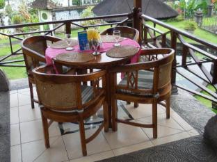 Tirta Ayu Hotel & Restaurant Tirtagangga Bali - Restaurant