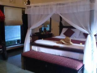 Tirta Ayu Hotel & Restaurant Tirtagangga Bali - Guest Room