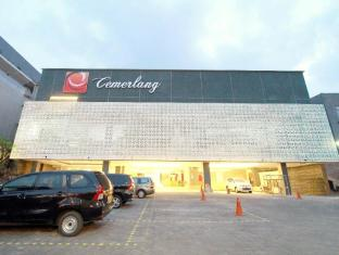 Hotel Cemerlang