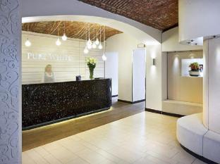 Pure White Prague - Reception