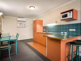 Quest Waterfront Hobart - Kitchen