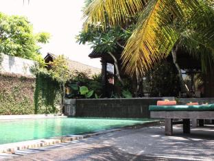 Dewa Bungalows Bali - view pool 2