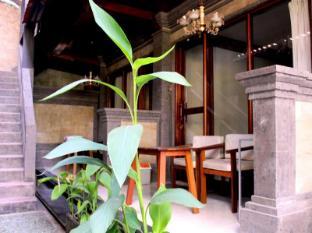 Dewa Bungalows Bali - View balcony