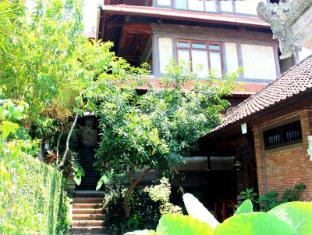 Dewa Bungalows Bali - view garden 2