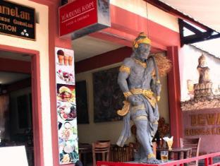 Dewa Bungalows Bali - view entrance 2
