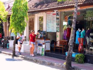Dewa Bungalows Bali - view shopping area