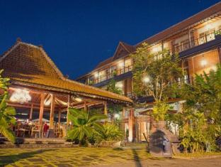 /omah-sinten-heritage-hotel/hotel/solo-surakarta-id.html?asq=vrkGgIUsL%2bbahMd1T3QaFc8vtOD6pz9C2Mlrix6aGww%3d