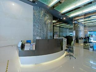 The Bauhinia Hotel - Central Hong Kong - Hotel Lobby & Reception Desk