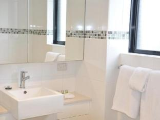 Annam Serviced Apartments Sydney - Bathroom - One Bedroom