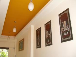 Eightville Bangkok - Interior