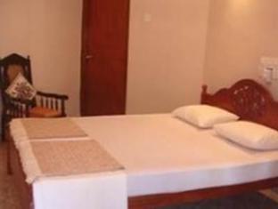 Number Eleven Hotel Kandy - Standard Room