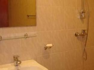 Number Eleven Hotel Kandy - Bathroom