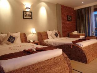 Frangipani Fine Arts Hotel Phnom Penh - Junior Suite