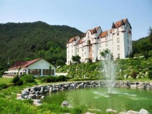 /white-castle-resort/hotel/gangneung-si-kr.html?asq=5VS4rPxIcpCoBEKGzfKvtBRhyPmehrph%2bgkt1T159fjNrXDlbKdjXCz25qsfVmYT
