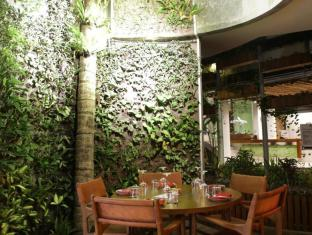 Grandmas Seminyak Hotel Bali - Ravintola