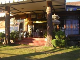 Country Hotel Trawas