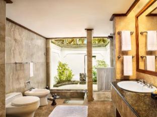 The Oberoi Bali Bali - Lanai bathroom