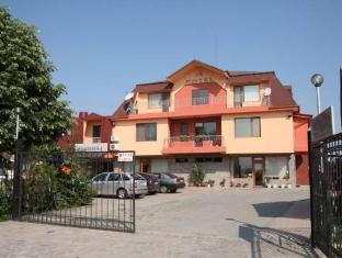 /cs-cz/complex-racic/hotel/plovdiv-bg.html?asq=5VS4rPxIcpCoBEKGzfKvtE3U12NCtIguGg1udxEzJ7nZRQd6T7MEDwie9Lhtnc0nKViw1AnMu1JpKM9vZxUvIJwRwxc6mmrXcYNM8lsQlbU%3d