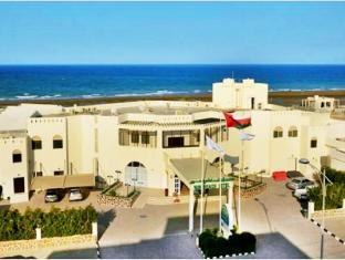 /resort-sur-beach-holiday/hotel/sur-om.html?asq=5VS4rPxIcpCoBEKGzfKvtBRhyPmehrph%2bgkt1T159fjNrXDlbKdjXCz25qsfVmYT